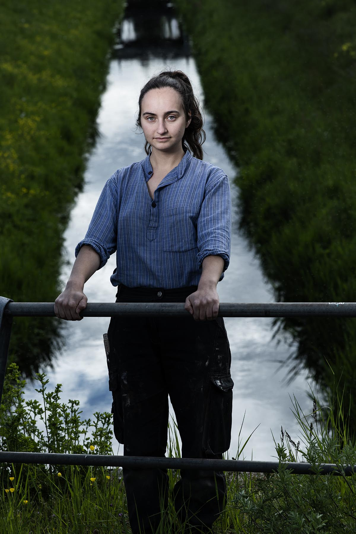 Portrait de Layla Outemzabet. Une femme qui s'engage pour le climat ©Thierry Porchet